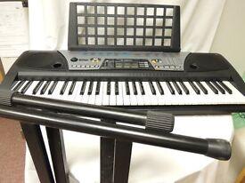 Yamaha PSR175 Keyboard