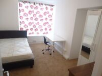 NICE DOUBLE ROOMS --- RAVENSCOURT TUBE STATION only 3 minutes walk