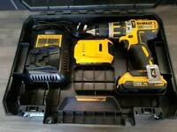 DeWALT DCD795 BRUSHLESS COMBI DRILL, 18V, XR, Li-ion +2x2ah batteries + Rapid charger + Case .