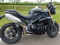 Speed Triple 1050 cc Black Immaculate condition. Two brand new tyres and MOT