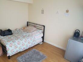 £460 PCM double bedroom to rent