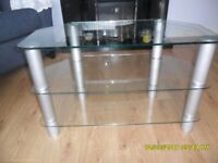 tv/video stand, 32 ins/81cm wide with clear glass