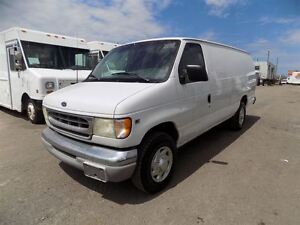 2002 Ford E-250 EXTENDED