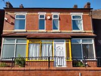 Room To Rent Large Bedroom £425 with Bills Manchester Salford University House