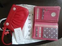 RADLEY OF LONDON PINK PURSE IN GOOD CONDITION AND SMALL RED HANDBAG (NEW WITH RECEIPT)