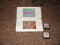 NINTENDO DS LITE WITH GAMES CHARGER
