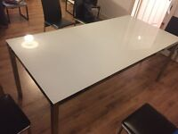 Free glass dining table, must pick up Sat/Sun