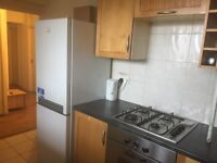 ******DOUBLE ROOM AT CANADA WATER - SURREY QUAYS OVERGROUND OR NEXT TO SOUTH BERMONDSEY STN********