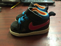 Boys or Girls Nike trainers Size 3