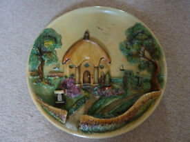Lovely 3D wall plate featuring 'Umbrella Cottage'