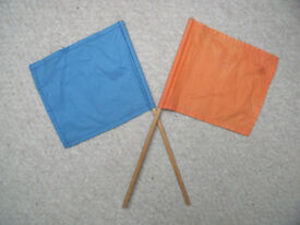 2 vintage hand held waving or signalling flags on wooden sticks, 1 orange, 1 blue. £4 ovno.