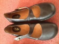 2 pairs size 5 women's shoes. Clarks and Marks and Spencer