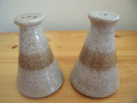 Vintage 1970s studio pottery salt & pepper pots. £3 ovno for both