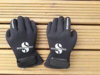 ScubaPro 5mm Diving Gloves £12 Plus Postage