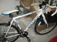 brand new gents carrera racing bike used twice