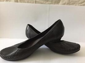 Clarks shoes size 6 in a good condition