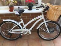 LADIES SHOPPING BIKE WITH BASKET KEEP FIT 🚴♀️ AS NEW CONDITION ONLY £75 CAN DELIVER LOCAL TO BORO