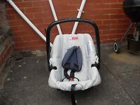 baby car seat Mamas and Papas