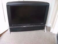 """Hanspree 32"""" LCD Retro style TV with Remote Fully Working"""