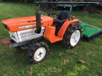 Kubota B1500 4WD Compact Tractor with New 1.1 meter Topper Mower
