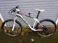 Trek 8.6 Elite Mountain Bike, mint condition