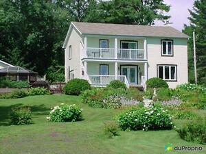 385 000$ - Maison 2 étages à vendre à Magog
