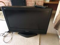 PANASONIC 26 inch FREEVIEW HDMI ON SWIVEL STAND EXCELLENT QUALITY