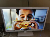 Blaupunkt 22-Inch Widescreen 1080p Full HD LED TV with DVD and Freeview As New