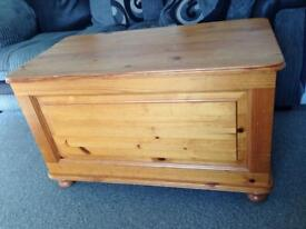 Pine toy box. Chest.