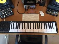 Alesis V49 midi keyboard