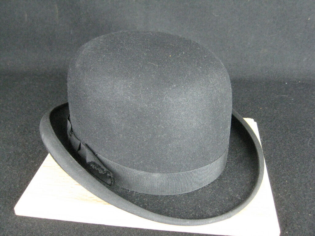 Quality Bowler Hat by Dunn and Company Piccadilly London  1  11659da56f5
