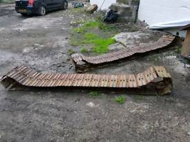 Pair of used metal tracks for Daewoo DH50 Excavator