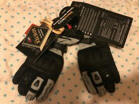 New Gloves Held Air n Dry size L(9) Gore-Tex