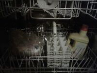 Zanussi aquasave dishwasher in great condition hardly used