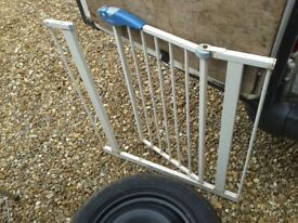 ROUGH BUT WORKING LINDAM STAIRGATE GATE PET PROTECTION DOG GATE, HAS ODD BOLTS FOR ATTACHMENT