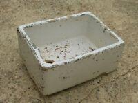 *VINTAGE DISTRESSED LOOK 1940s WHITE BUTLER / BELFAST SINK GARDEN PLANTER* £15
