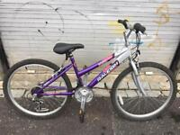 Raleigh Crush girls mountain bike