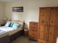 Double room to rent in Ide, Exeter. House to yourself most weeks.