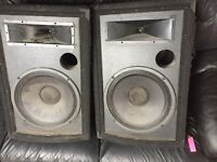 4 Speakers came as is need the cables that go on the back small ones are 250watt large are300watt