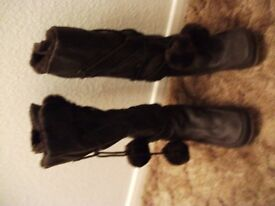 Brand new, Dark Brown winter boots: size 6