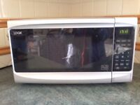 Microwave oven by Logik