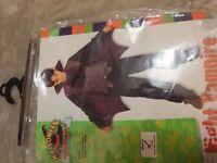 Boys Halloween Vampire Costume size M (5-7 years)