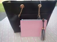 LYDC ANNA SMITH BLACK SHOULDER BAG WITH REMOVABLE POUCH & CHAIN HANDLES BRAND NEW WITH TAGS