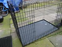 BRAND NEW DOG CAGE, MEDIUM SIZE, EITH INNER STEEL TRAY. BARGAIN £25, CAN DELIVER