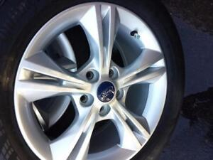 LIKE NEW  FORD FOCUS 2015 FACTORY OEM 16 INCH WHEELS WITH 215 / 55 / 16 HIGH PERFORMANCE CONTINENTAL ALL SEASON TIRES