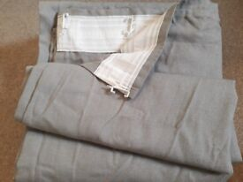 2 pairs of Grey bay window curtains- 145x300cm. They are a little crinkled but in great condition.
