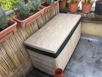 Outdoor Box