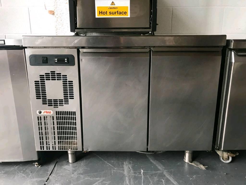 2 Door undercounter fridge catering freezer Oven fryer