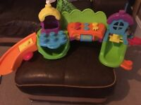 Little Tikes pop and play
