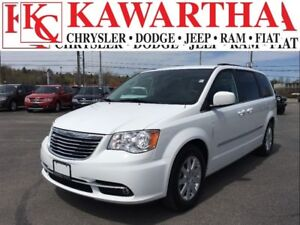 2016 Chrysler Town & Country TOURING L*PRICE REDUCED*